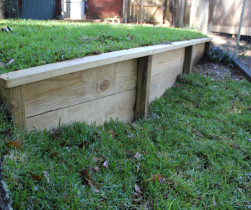 05_wood_retaining_wall