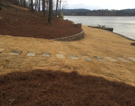 01retaining_wall_lay_lake