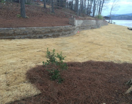 02retaining_wall_lay_lake