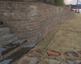 06retaining_wall_lay_lake