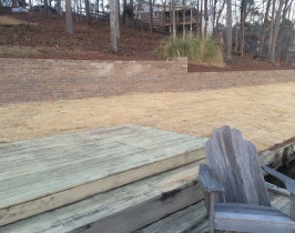 10retaining_wall_lay_lake