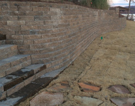 11retaining_wall_lay_lake