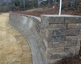 13retaining_wall_lay_lake