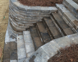 14retaining_wall_lay_lake
