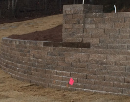 17retaining_wall_lay_lake