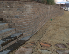 20retaining_wall_lay_lake
