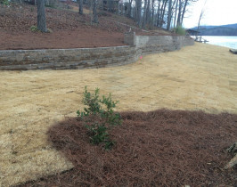 28retaining_wall_lay_lake