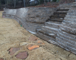 30retaining_wall_lay_lake