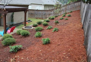 03_backyard_with_retaining_wall