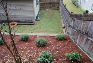 06_backyard_with_retaining_wall