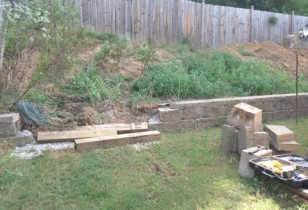 08_backyard_with_retaining_wall