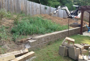 10_backyard_with_retaining_wall