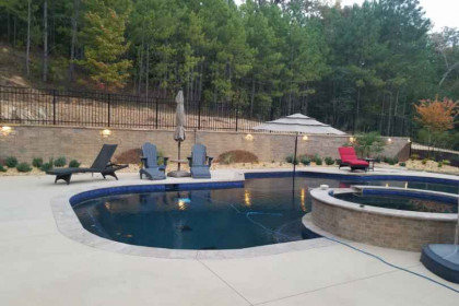 landscaping_around_pool_2