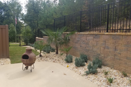 landscaping_around_pool_3